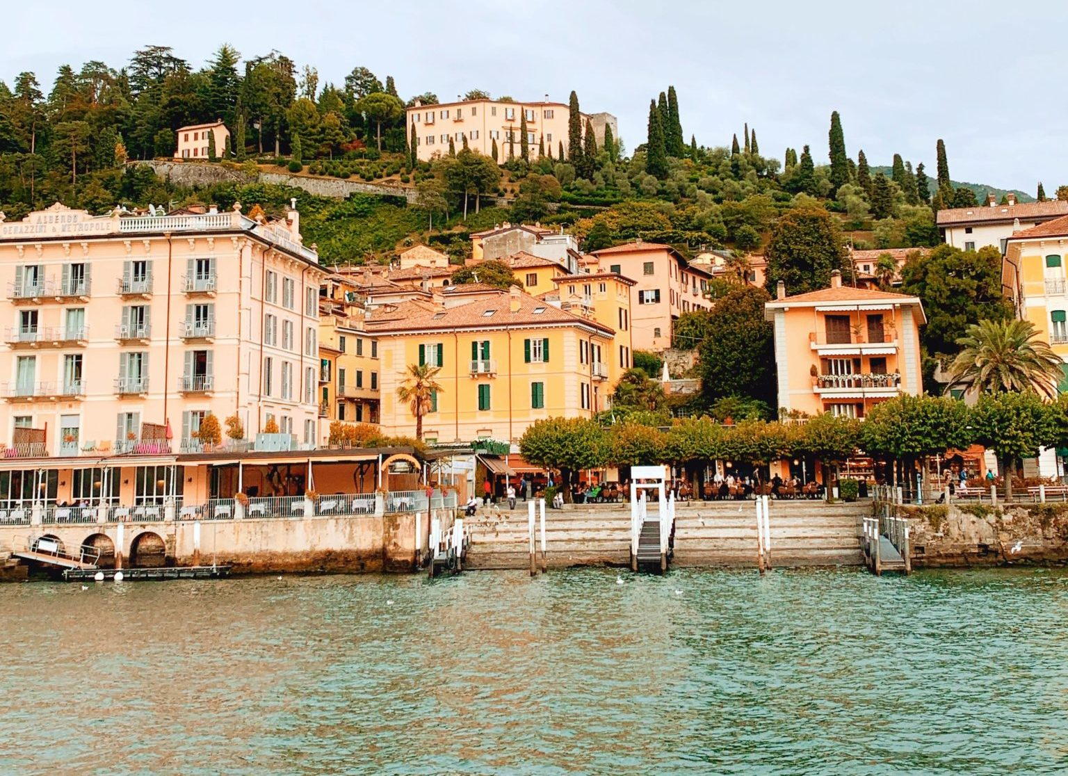 Vista de Bellagio desde el lago